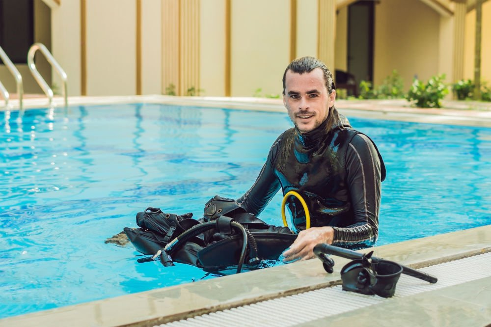 Scuba Diving Wetsuit vs Dry Suit 2