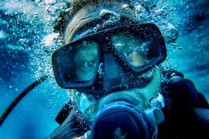 Why Do Divers Spit In Their Masks?